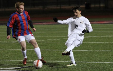 Boys soccer to start second half of district with Highland Park match