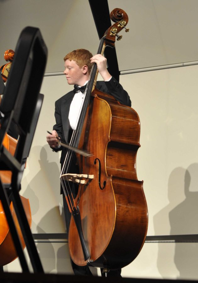 Orchestra+makes+2011-2012+debut