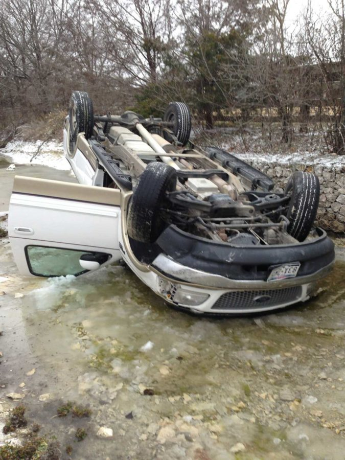 Senior+Tate+Locklear+lost+control+of+his+car+this+morning+on+the+way+to+school+driving+on+Rock+Ridge.+His+car+is+totaled%2C+but+he+suffered+no+major+injuries.+