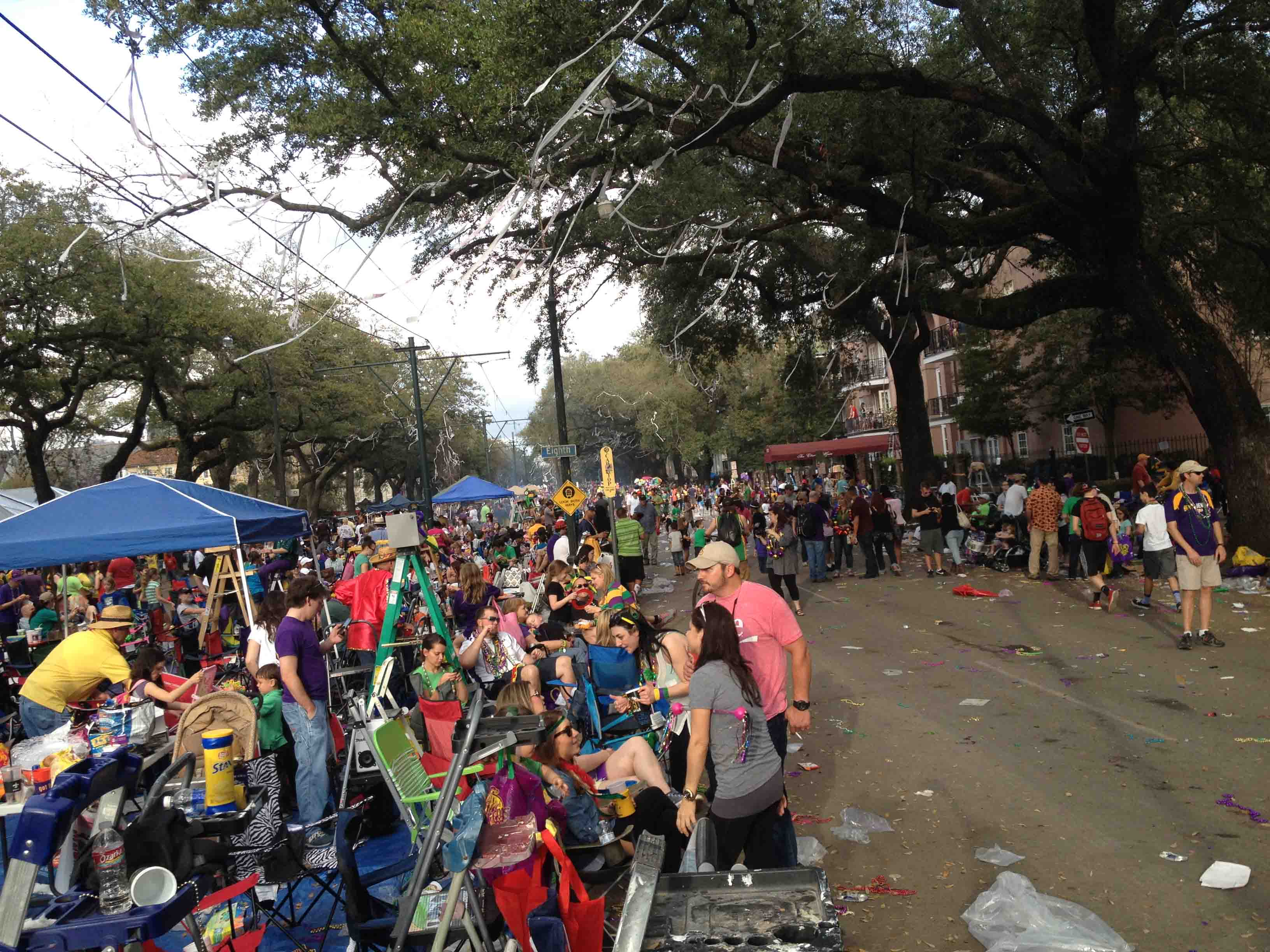 The streets of New Orleans are lined with thousands of people as part of the annual Mardi Gras parades. An average of nearly one million people attend Mardi Gras in New Orleans each year.