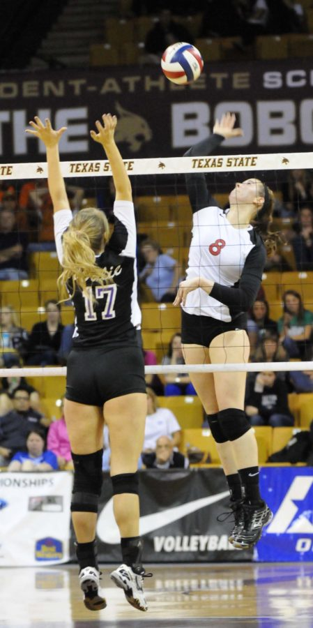 Alumni Andie Malloy in the 2011 volleyball State Championship.