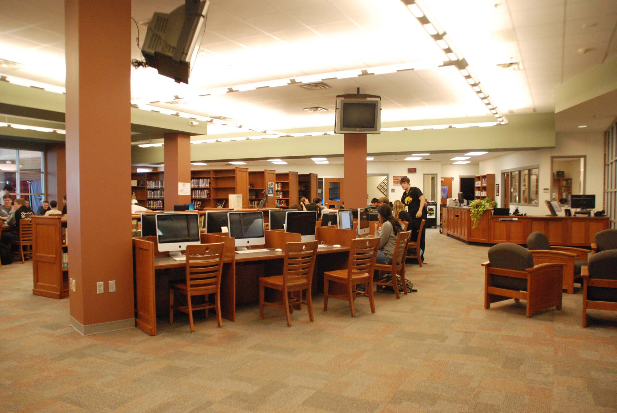 Many senior details are being taken care of this week in addition to rank being frozen. The computer lab in the library is open until Friday for seniors to come in and complete the senior survey that will be used to create a memory book to be given to seniors at the senior brunch on May 26.