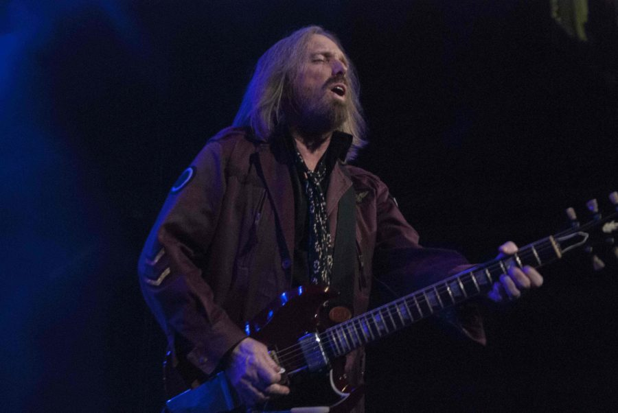 Lead vocalist Tom Petty sings at the AAC