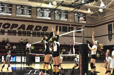 After winning a game and loosing a game to Prosper, the varsity volleyball team will have one final game to determine the district campions.