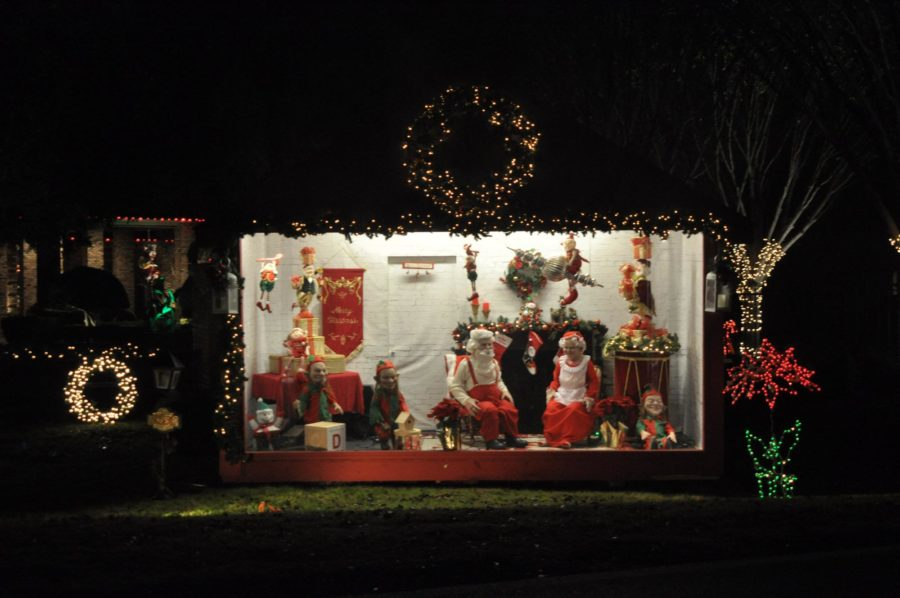 The second display case which is still a part of the extravagant set up on Rock Ridge rd features Mr. and Mrs. Clause along with three of their elves.