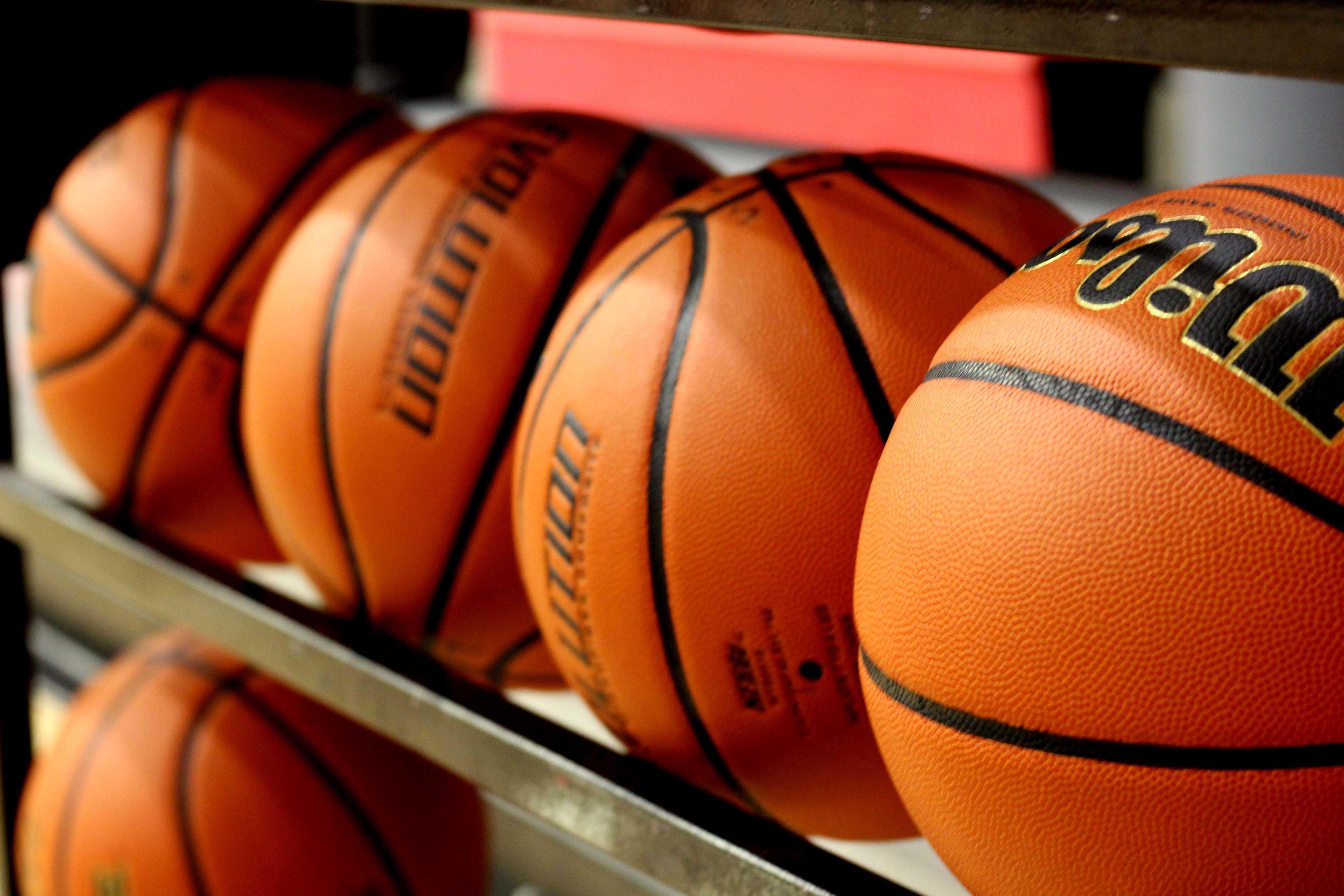 The 2015-2016 basketball season kicks off tonight against Rockwall at 6:15 p.m. at home.