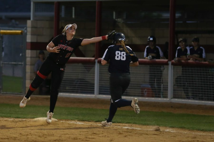 Alyssa+Difiore+%2813%29+tags+out+a+McKinney+batter+during+their+final+district+game+before+playoffs.