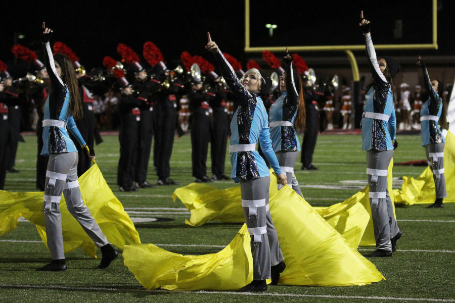 Color+guard+adds+%27visual+attribute%27+to+marching+band