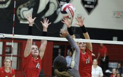 Volleyball team faces young Reedy team for regional quarters