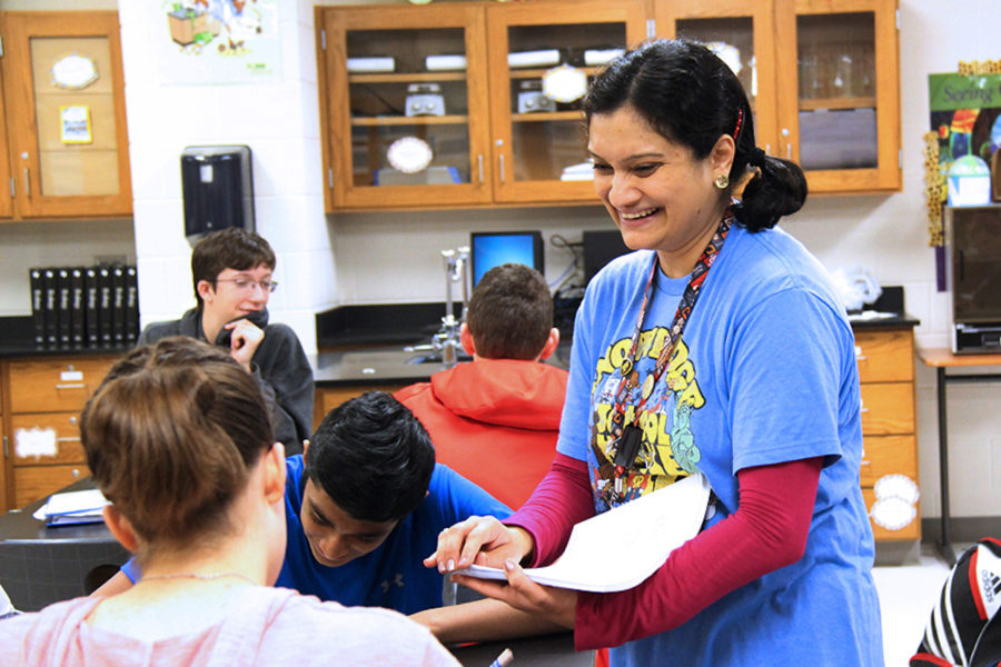 Despite current political turmoil and social persecution, AP Biology teacher Sadaf Syed, a practicing Muslim, continues to view the world as full of beauty.