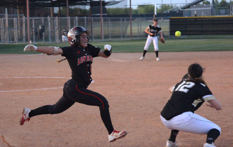 Softball heads into district midpoint tied for top seed