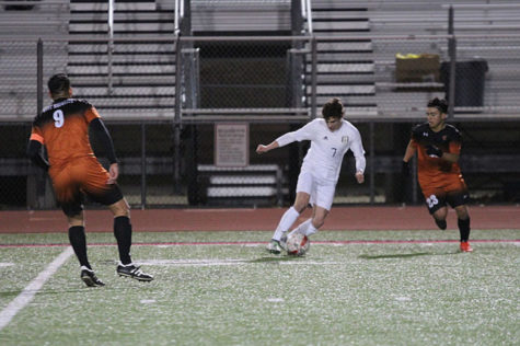 Boys soccer hopes to keep district championship pace