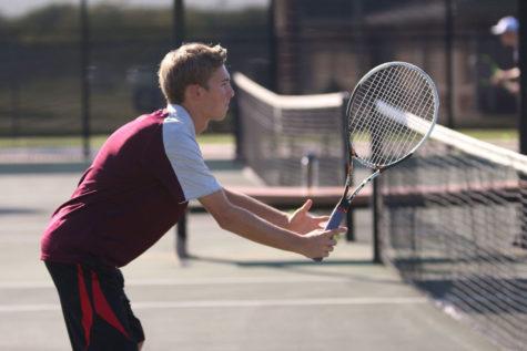 Tennis looks to continue tournament success