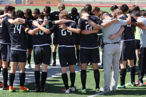 Boys soccer ends playoff run in regionals