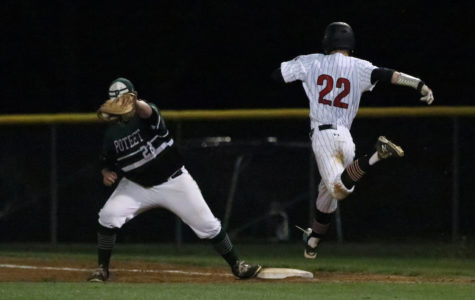 Baseball fights for playoff spot on Senior Night