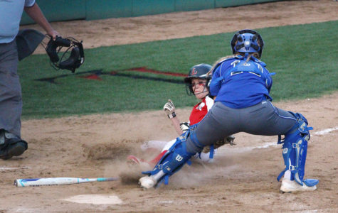 Softball team faces Bulldogs in last district game