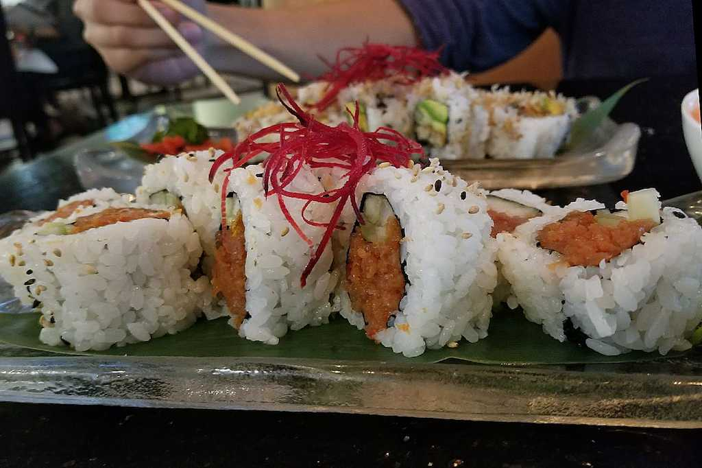 The spicy tuna roll at Shiwase was the best example of this dish that the reviewer had ever tasted.