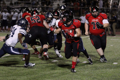 Football to open up district play against defending state champions