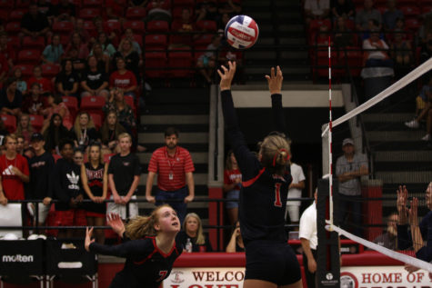 Volleyball looks to continue district success after Highland Park win