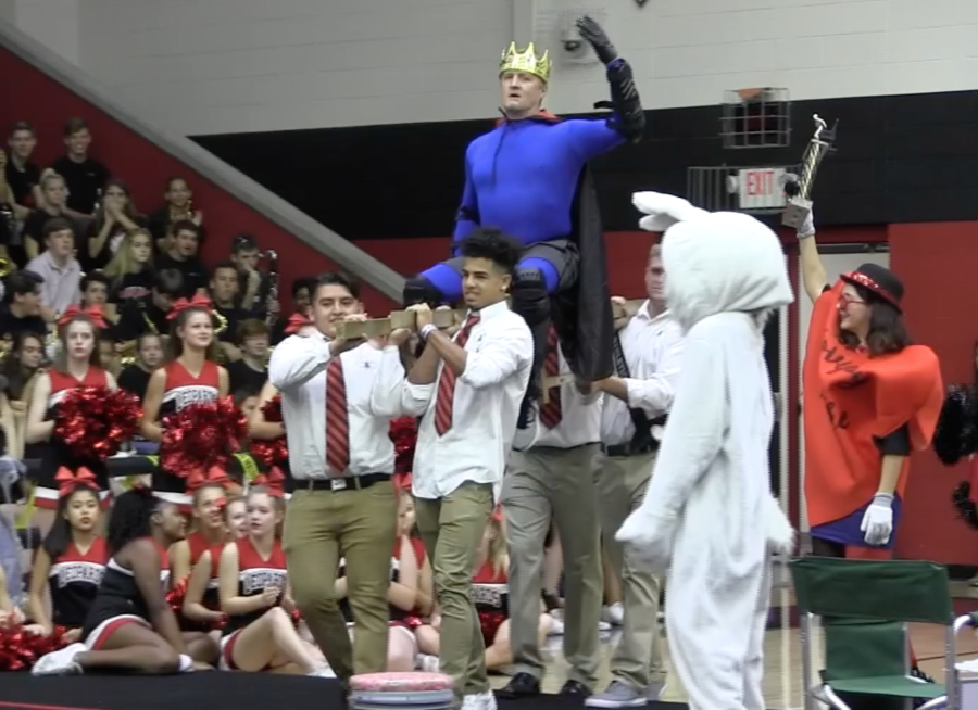 Video: Kiefer dethrones Cooper as musical chair champ