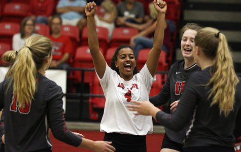 Volleyball to challenge Forney on homecoming