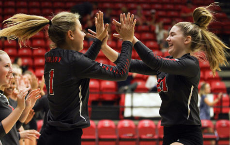 Volleyball defeats Pine Tree, to face The Colony in area round