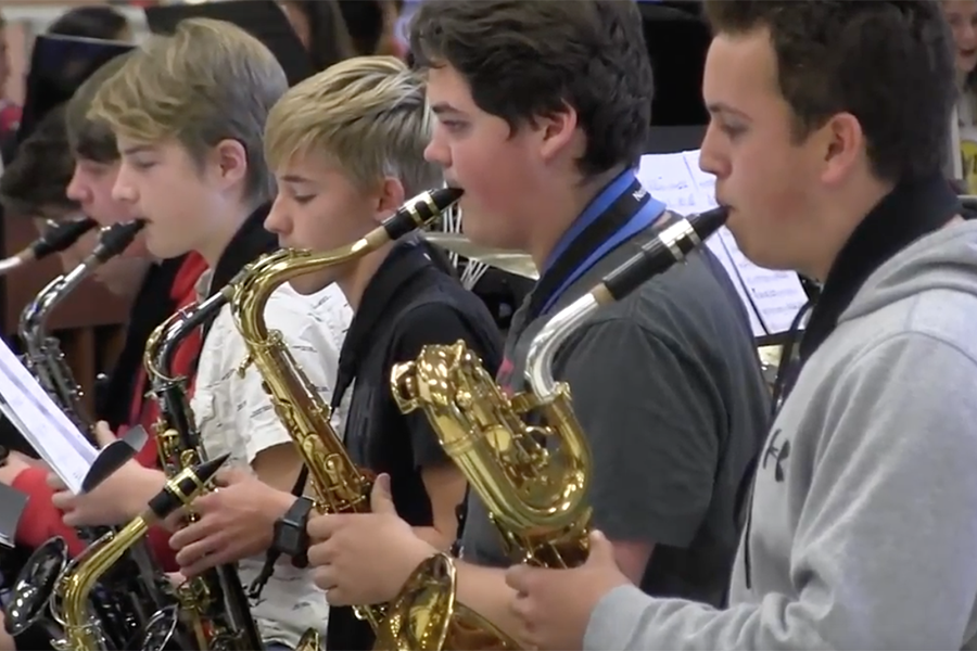 Video: Jazz band hosts morning concert