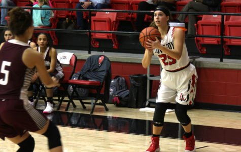 Girls basketball to play in Buda Hays Tournament