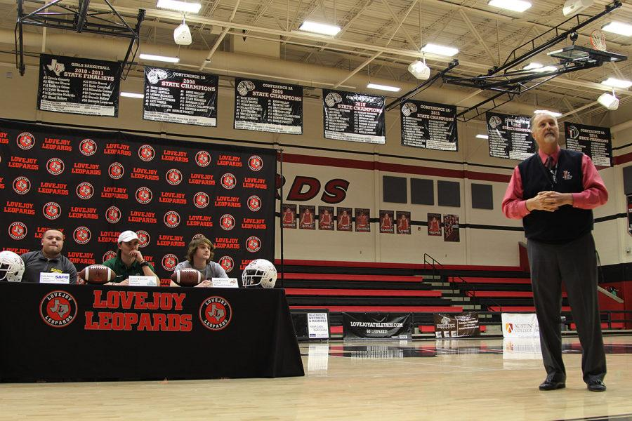 Photo gallery: Five athletes commit on National Signing Day