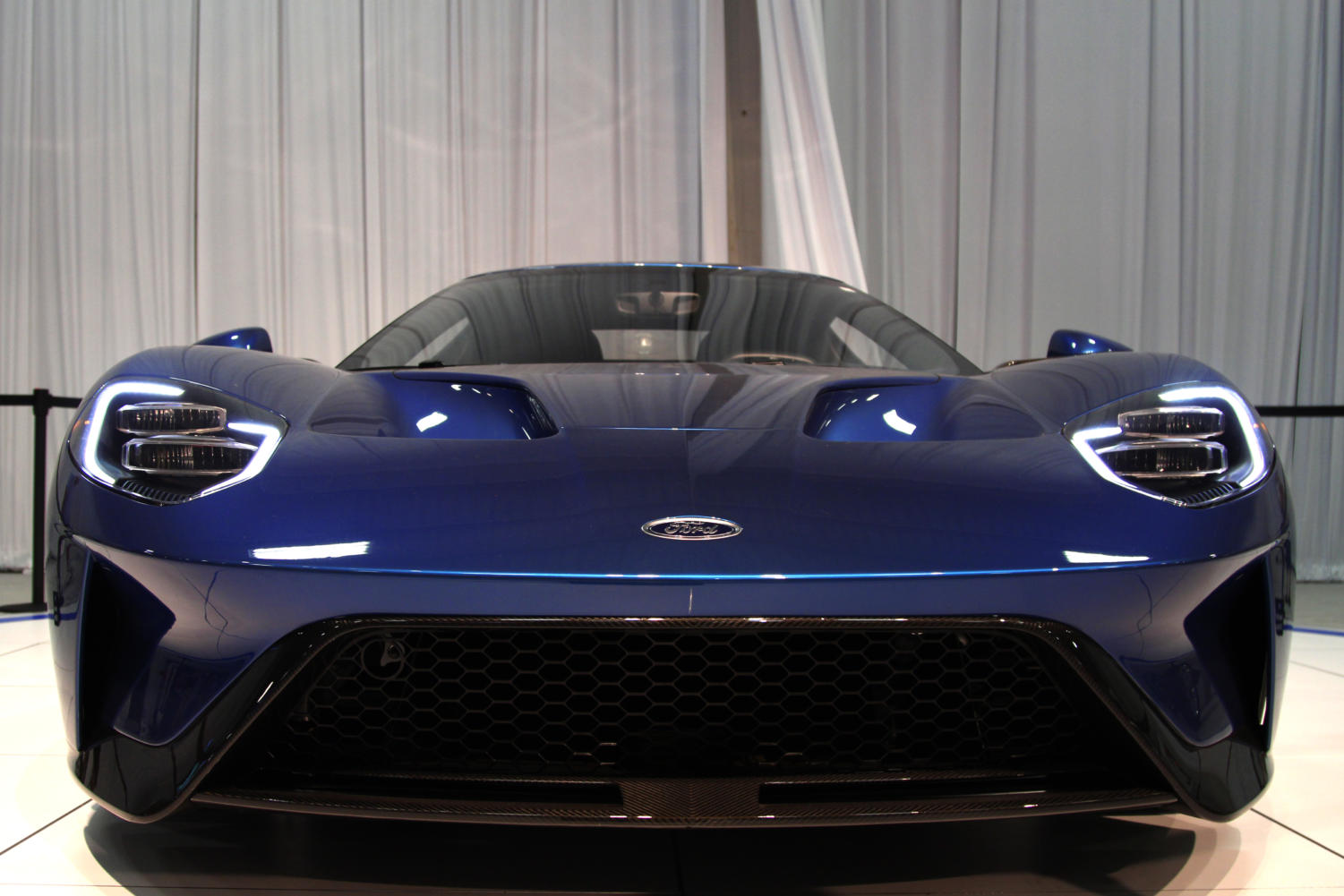 The+Ford+GT+is+one+of+the+first+cars+presented+as+fair-goers+walk+into+the+Texas+Auto+Show.