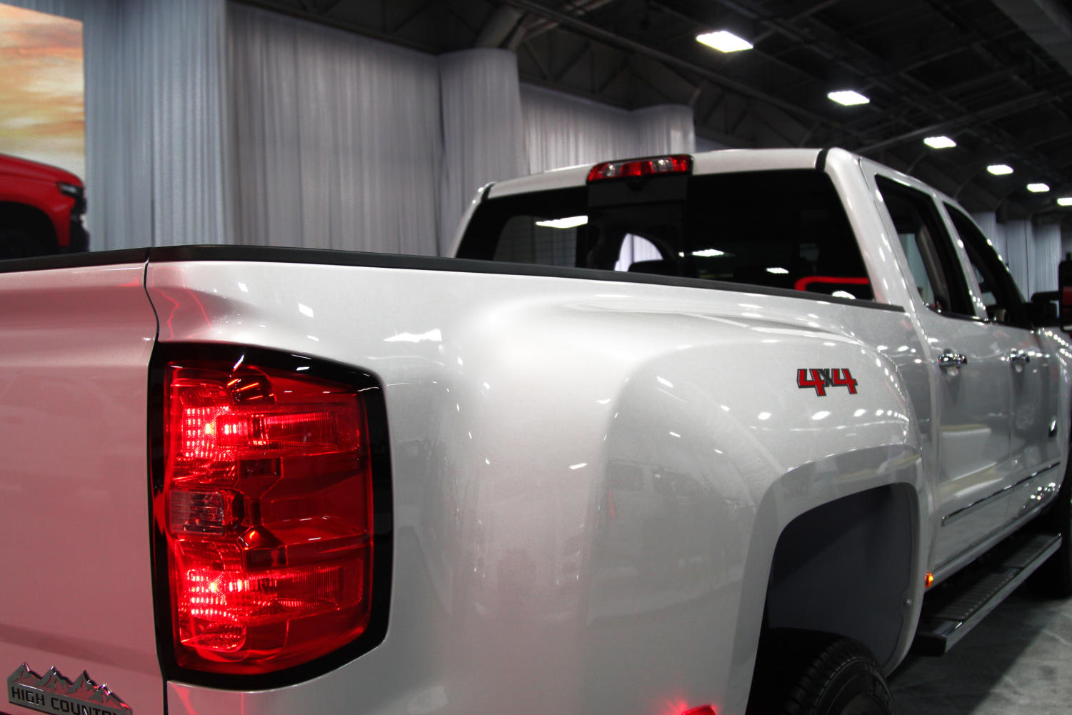 The+2019+Chevrolet+Silverado+1500+has+the+largest+pickup+bed+made+up+of+a+higher-grade+steel.