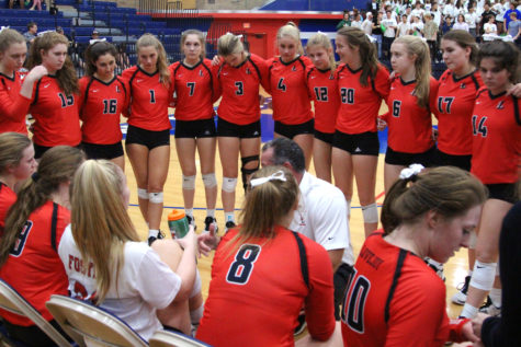 Photo Gallery: Volleyball advances in playoffs
