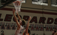 Boys basketball looks to maintain playoff spot in final two games