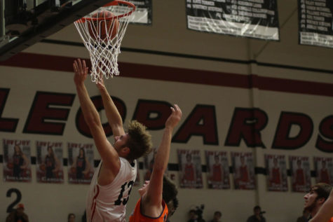 Boys basketball looks to continue win streak against Princeton