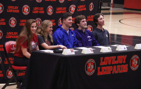 Athletes make college choices at National Signing Day