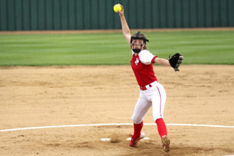 Sophomore Sydney Provence throws a pitch in Tuesday