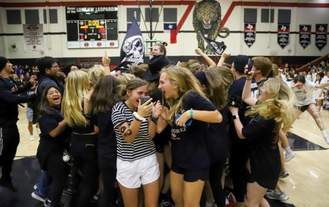 Photo Gallery: Seniors win championship powder puff game