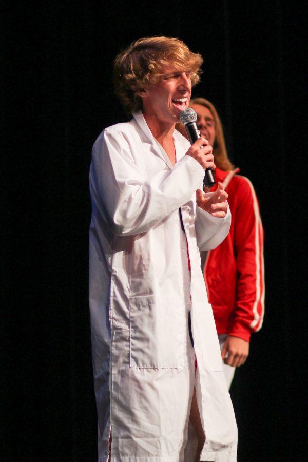 Mr. Lovejoy contestant Zane Edwards sings