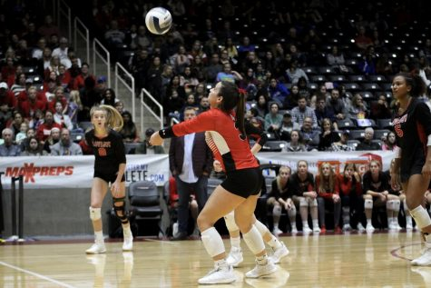 Photo Gallery: Volleyball wins state semi finals against Friendswood