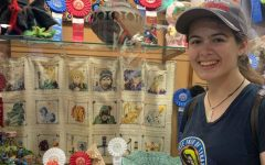 Senior Sophia Foster receives sculpture award at State Fair