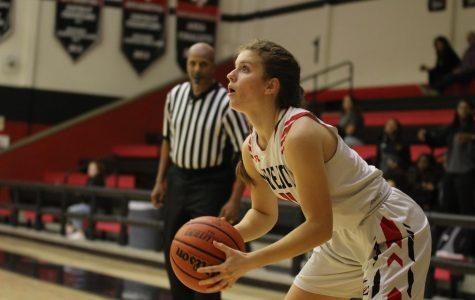 Girls basketball heads to playoffs