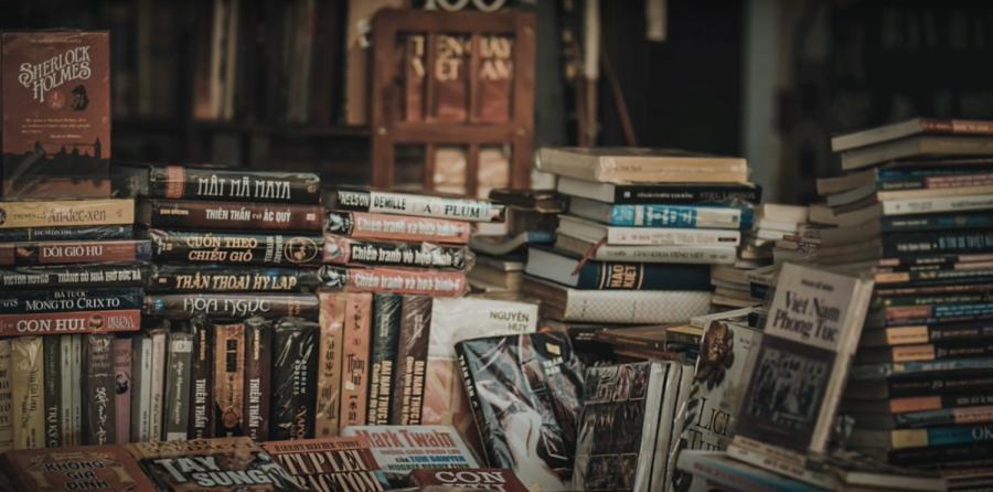 Leopard Pause: Book exchange
