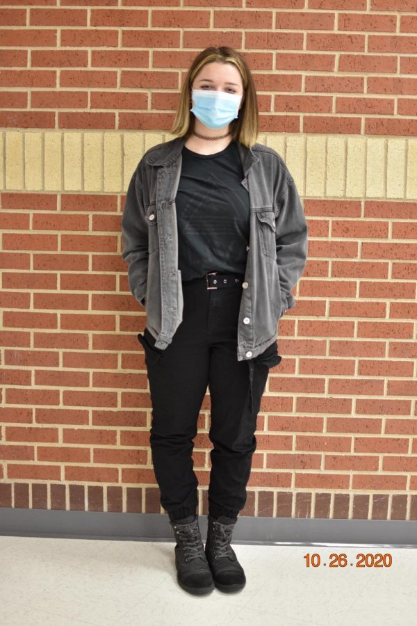 Senior Rachel Drew dressed in all black for Monday's theme. Part of Drew's outfit includes a Lovejoy Visual Arts shirt.