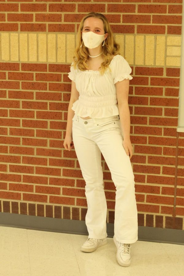 Sophomore Victoria Jones wears all white to show school spirit. Jones is a member of student council.