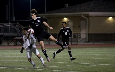 Soccer kicks off season