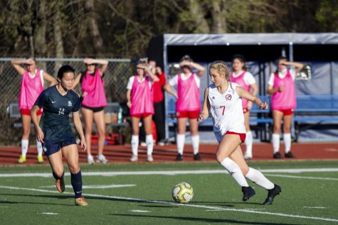 Junior outside wing no. 7 Tatum Chester dribbles the ball. The Leopards went 10-2-2 in their district season.