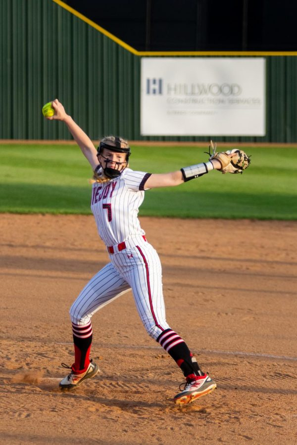 Sophomore pitcher no. 7 Jade Owens pitches in the second inning. Owens pitched five innings of the game.
