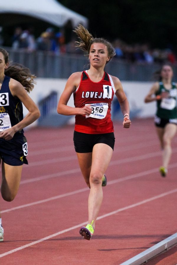 Sophomore runner Amy Morefield runs in the 1600 meter race. Morefield finished in seventh with a time of 5:20.72.