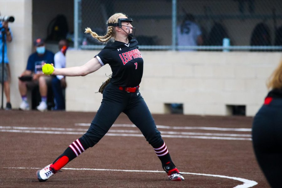Sophomore pitcher no. 7 Jade Owens pitches to a hitter from Wakeland. The Leopards currently have one win and one loss in the three-game series.