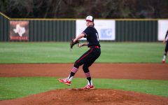 Navigation to Story: Photo Gallery: Baseball plays complete game shutout